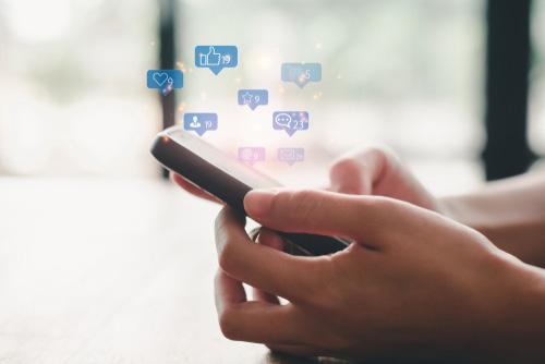 Gérer vos réseaux sociaux dans le 95